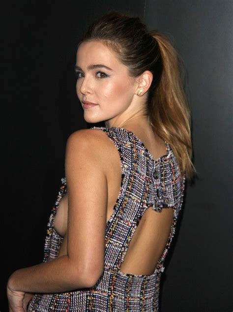 Zoey Deutch Nude Tits Slipped Out Of A Risky Dress