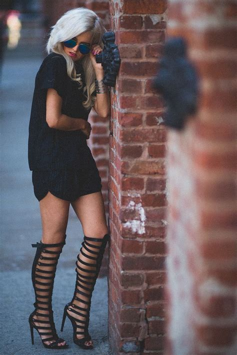 16 Cute Outfits To Wear With Gladiator Heels/Sandals This