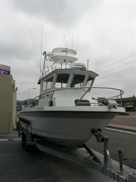 22' Davis Cortez Pilothouse w/ Turbo Diesel and Full Tower