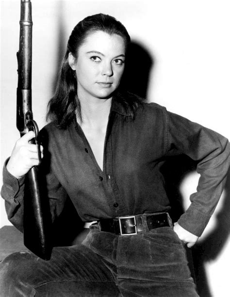 Louise Fletcher Net Worth, Biography, Age, Weight, Height