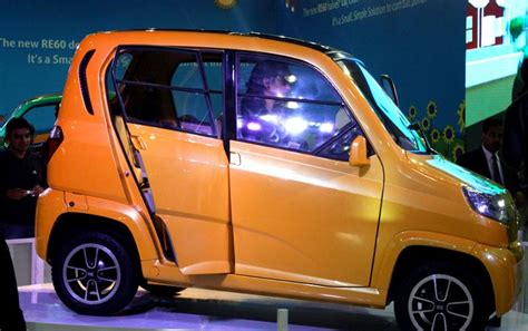 【Bajaj Qute】RE60 Small Car Price, Specification, Review