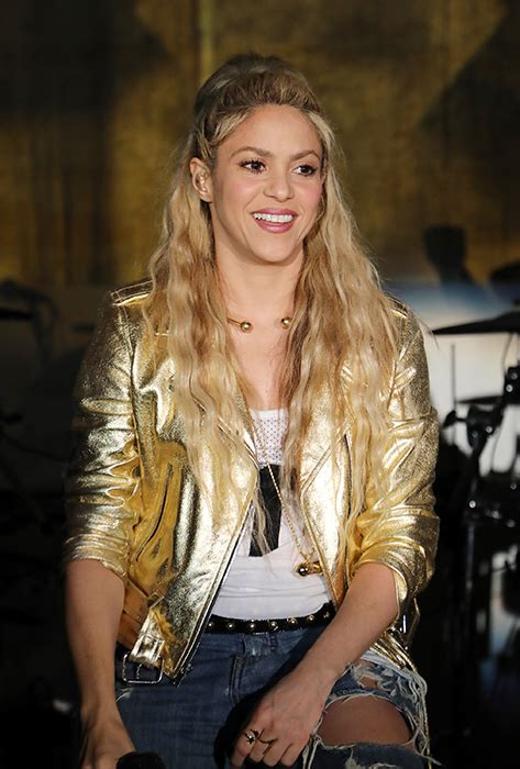 Shakira has dyed her hair red – see Instagram snap!